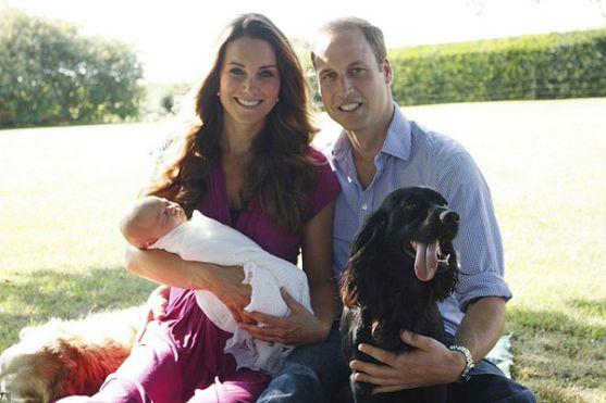 Весь світ продовжує стежити за новинами сім'ї королівських монархів, а тег # royalbaby у Twitter знову почав набирати небувалу популярність. Сьогодні