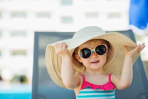 Як вберегти від теплового удару і сонячних опіків дітей і що робити, якщо це вже сталося?Корисні поради дасть доктор Євген Комаровський.