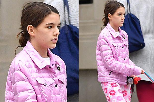 13-річна донька Кеті Холмс вигуляла собак (ФОТО)