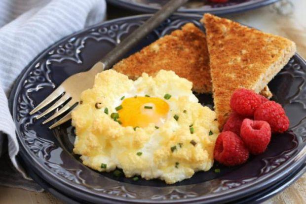 Цей спосіб приготування яєчні полюбили вже тисячі людей