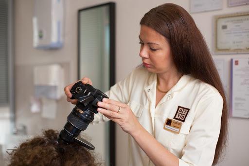 Лікар, який допоможе повернути красиве волосся. Повідомляє сайт Наша мама.