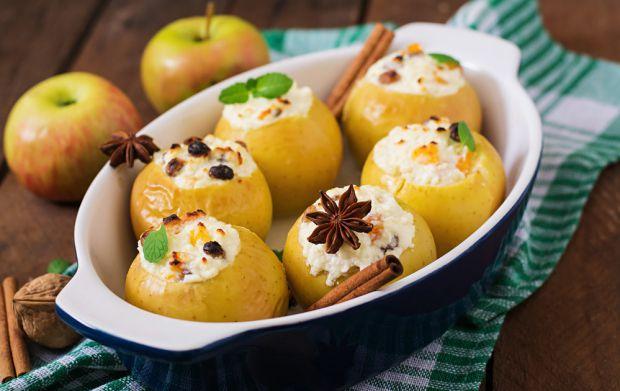 Вітамінний сніданок і десерт - яблучні ватрушки. Дітям така страва дуже до вподоби.