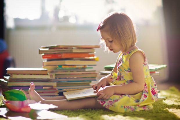 Американські фахівці визначили, що поліпшення навичок читання у дітей допомагає фізично перебудувати мозок дитини, створюючи нову білу речовину.