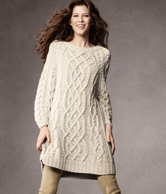 У цьому сезоні є модними в'язані сукні, вони ніжні та приємні до тіла, а ще дуже стильно дивитимуться на вашому тілі.