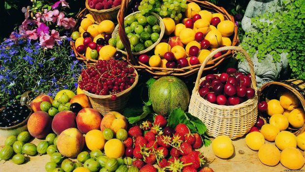 Скільки потрібно їсти овочів та фруктів на день, щоб захистити організм від передчасного старіння?Раніше вважалось, що 7 порцій фруктів і овочів на де