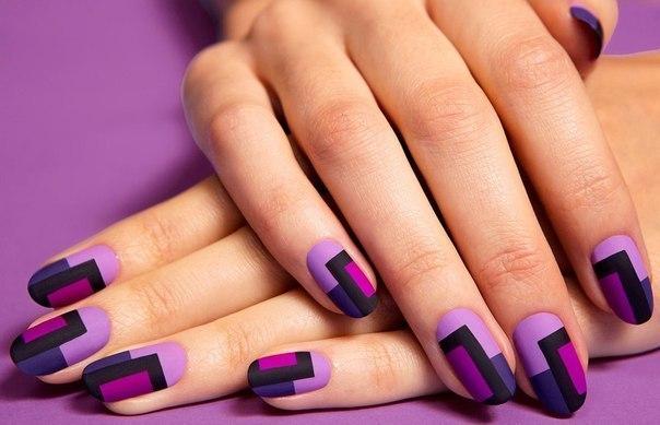 Догляд за нігтямиВід холодних вітрів та низької температури страждає не лише волосся, а й наші нігті. Тому