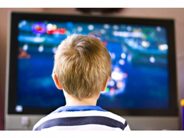 Як ми знаємо, телебачення не дуже корисно впливає на здоров'я дітей. Звичайно, можна подивитися мультфільм на кілька хвилин, але щоб цілий день просид
