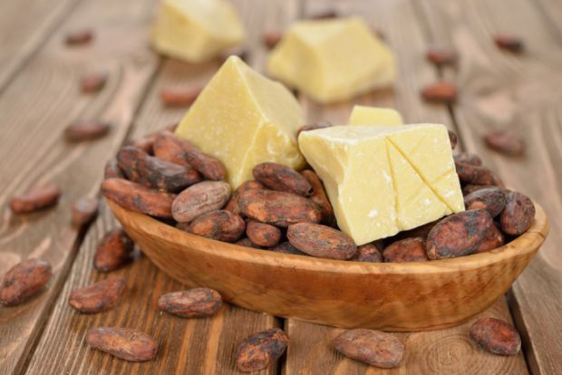 Какао-масло відмінно справляється зі зволоженням сухої шкіри.
