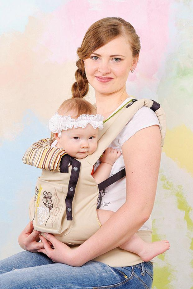 В наше время родители хотят оставаться активными даже при наличии маленького ребенка. В этом им может помочь эргономичный рюкзак. Благодаря ему можно