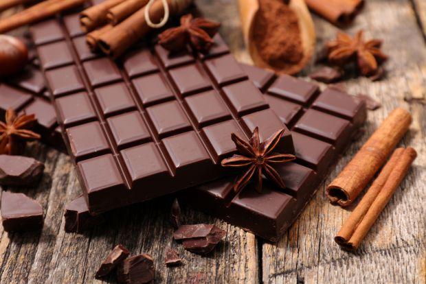 Шоколад не тільки приносить задоволення і підвищує настрій, але й позитивно впливає на наше здоров'я.