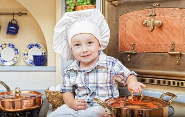 Харчування дитини позначиться на її розумових здібностяхДля засвоєння нових знань дітям потрібне постійне надходження нової енергії. Що їсти дитині, щ