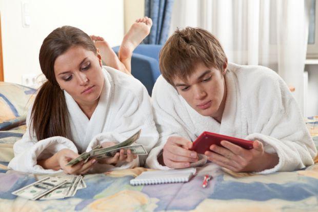Багатьох цікавить, як розрахувати сімейний бюджет і не посваритися? Є декілька видів сімейного бюджету, вибирайте, який найбільше підходить для вашого