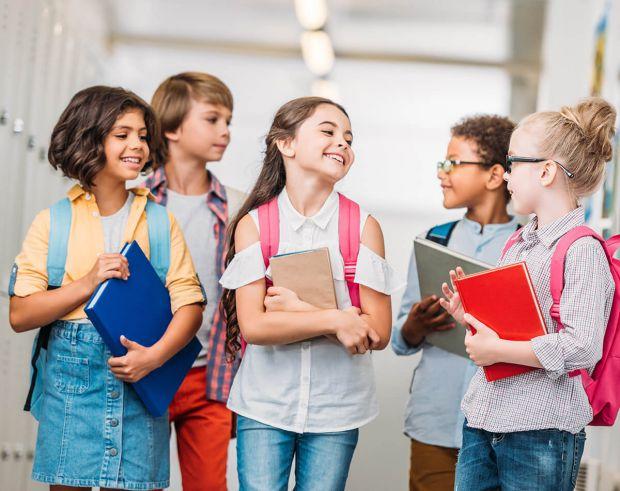 Як би прикро не було це визнавати, але державні школи в Україні не можуть дати усіх базових знань сучасному школяреві, а все тому, що діти, котрі наро