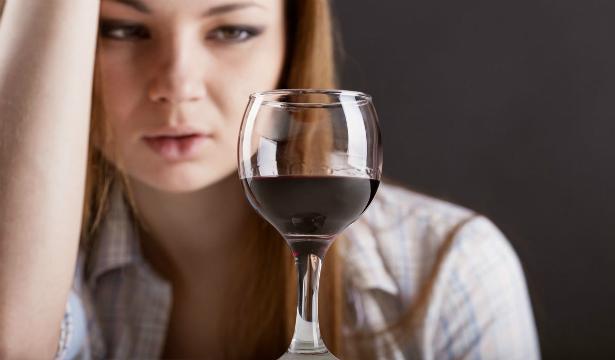 Експерти Міжнародної організації праці і Всесвітньої організації охорони здоров'я вирахували безпечну дозу алкоголю.