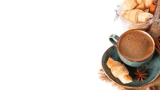 Любите пити каву щодня і неодноразово? Знайте, ви займаєтьсь профілактикою і навіть лікуванням. А що саме лікує кава?