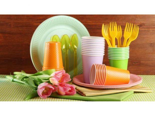 Правила стосовно пластикових предметів для харчування.