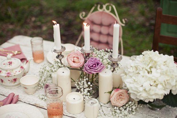 Незабаром весілля, а ви думаєте, як оформити красиво стіл, можливо, ви володієте ніжним смаком і стилем –  квіти підкреслять красу святкового оздоблен
