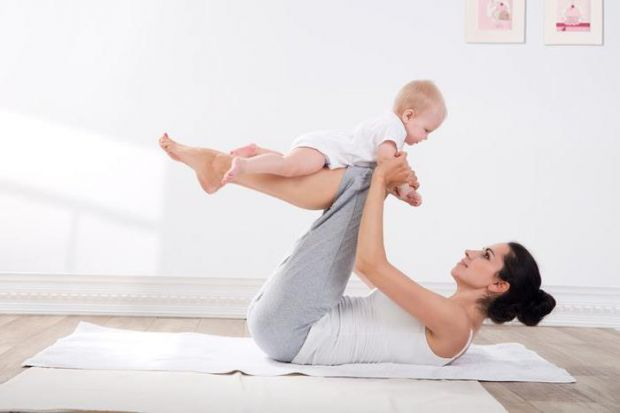Для жінки, яка тільки народила не підходить звичайна аеробіка зранку, а тим більше складні навантаження в спортзалі.