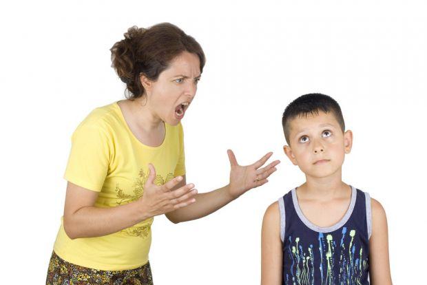 Коли ми сердимося на дітей, ми можемо наговорити багато зайвого. Через 5 хвилин ми остигаємо і забуваємо образливі слова, але в пам'яті дітей вони зал