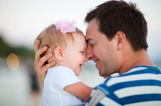 Є кілька універсальних рекомендацій для чоловіків, що задаються питанням, як стати ідеальним татом для своєї дитини.