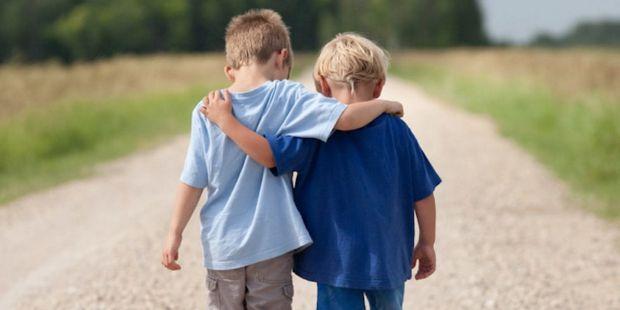 Коли ви допоможете дитині зрозуміти ваші вербальні й невербальні сигнали й навчите її сигналізувати про потреби, у неї почнуть формуватися перші форми