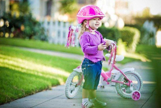 Хотите, чтоб Ваш ребенок с большим увлечением хотел выходить на прогулку? Купите ему велосипед! С помощью трехколесного детского велосипеда дети не то