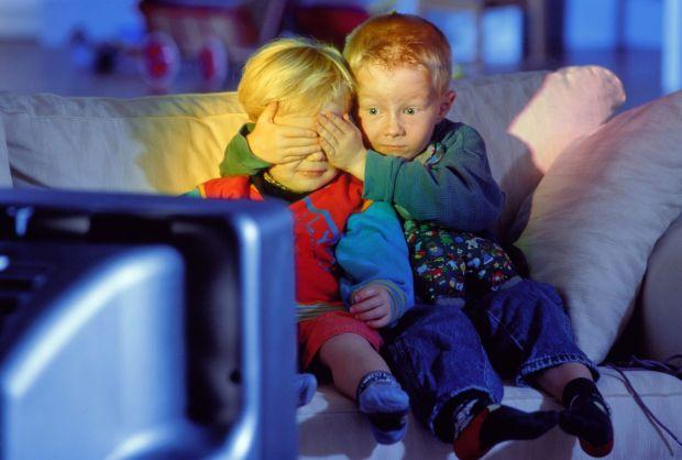 Є безліч дітей, які бояться того чи іншого мультфільма. Деякі сценки для них здаються дуже страшними, і діти починають плакати, істирити, погано спати