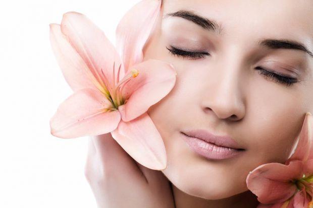 Суха шкіра створює не тільки дискомфорт, але й порушує природний захисний бар'єр, що перешкоджає проникненню шкірних інфекцій. Здорова шкіра має захис
