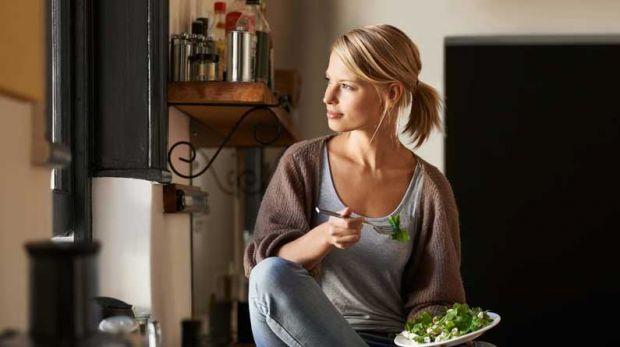 Давно відомо, що дієти, які передбачають жорсткі обмеження в їжі, і голодування, негативно впливають на здоров'я людини. У матеріалі розглянемо принци