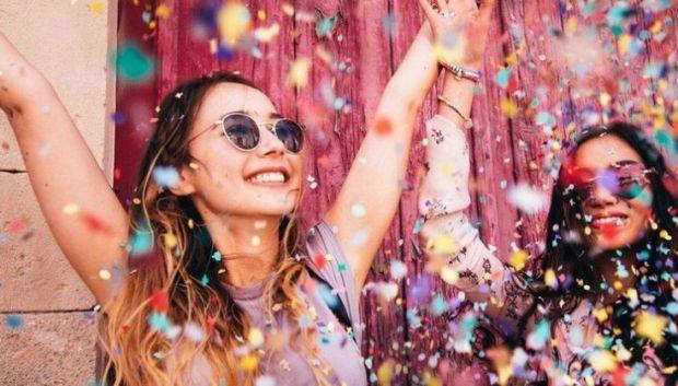 Вчені з Каліфорнійського університету розповіли про те, які думки роблять людину щасливою.