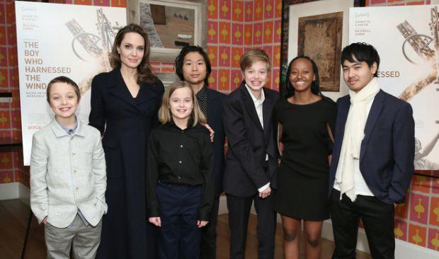 Чим діти Анджеліни Джолі займаються під час карантину?