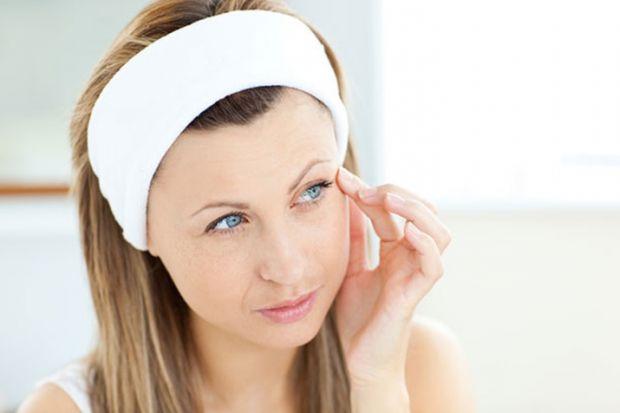 Важливим фактором у виборі нічного крему є вік. Залежно від вікових змін до складу продукції можуть входити різні компоненти.