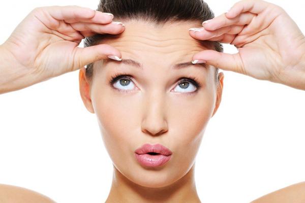 Косметологи стверджують, що до 25 років шкіра обличчя не вимагає надмірних зусиль для того, щоб залишатися в формі.А вже після 25 косметологи рекоменд