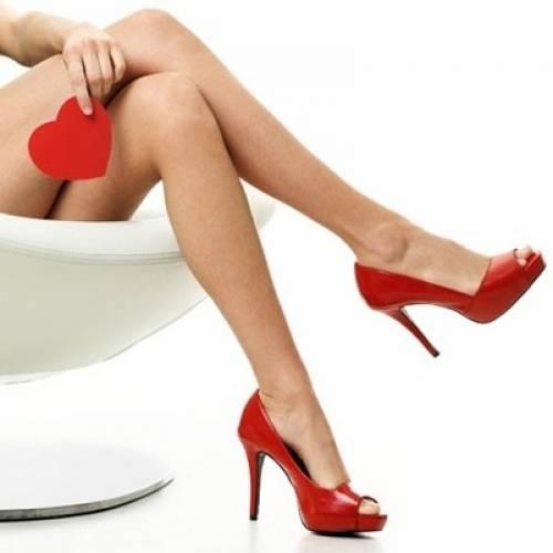 Якщо вени на ногах помітні у молодому віці - варто звернутись до лікаря.