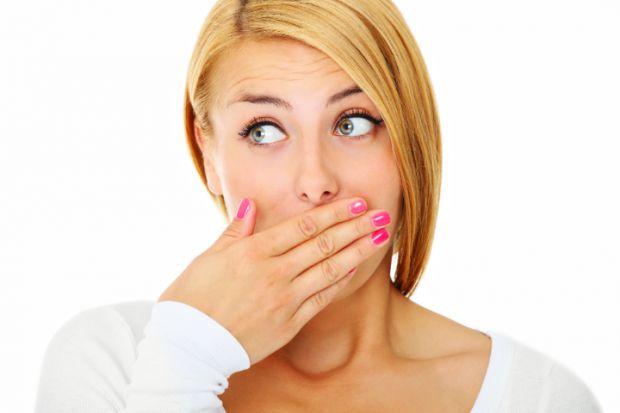 Якщо вас турбує неприємний запах з рота, скористайтеся нашими порадами, вони позбавлять вас дискомфорту і ви знову зможете усміхатися.