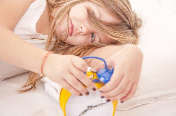 Як же зробити так, щоб дитина із совеняти стала жайворонком? І при цьому щоб така зміна біологічного ритму малюка не зашкодила його здоров'ю?