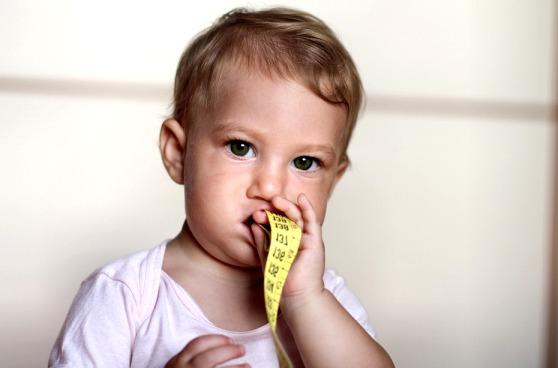 Чому не варто переживати, якщо дитина начебто набирає вагу пізніше? Повідомляє сайт Наша мама.