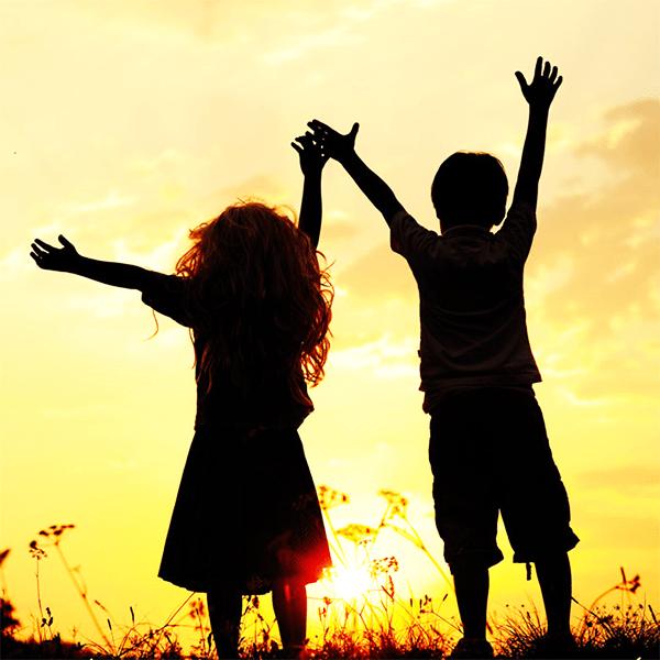 Якщо у вас підростає дитина, то потрібно її навчити гарних манер. Також пристосувати до спілкування з іншими дітьми і взагалі людьми.