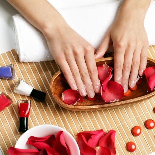 Як відомо, нігті і шкіра потребують особливого догляду, зокрема після зими.
