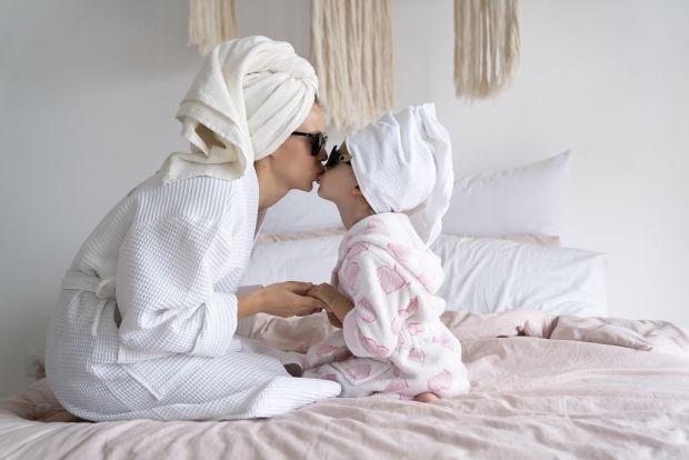 Як каже Євген Комаровський, діти не влаштовують істерик перед шкафом, а перед мамою і татом, знаючи, що вони на неї відреагують. Це вже маленька маніп