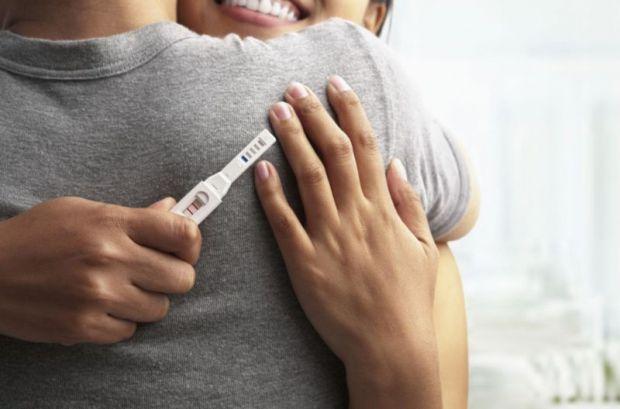 Какие изменения в организме происходят во время беременности и что чувствует женщина в первом триместре беременности?
