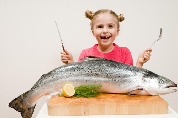 Шведські медики обстежили понад 3 тисячі шведських дітей молодшого віку з метою визначити, чи сприяє регулярне споживання риби зменшенню кількості мал