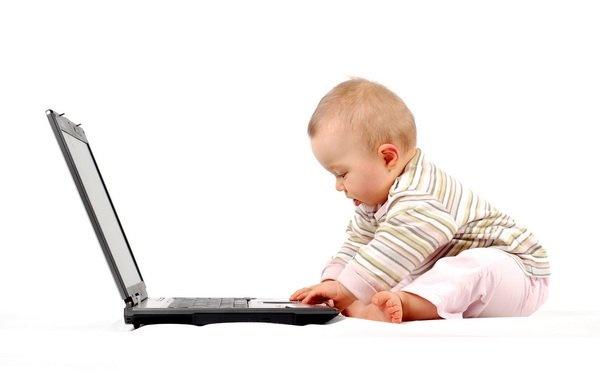 Вірте - не вірте, але комп'ютерної проблеми в дитячому віці не існує. Діти та підлітки