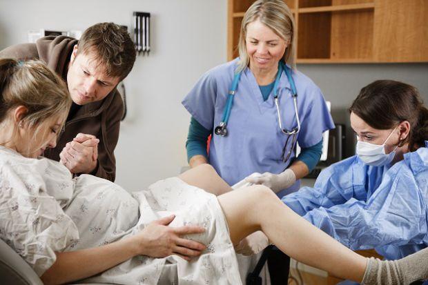 Академіки дізналися, що жінки, які спочатку народилися з малою масою тіла, можуть відчувати певні труднощі при пологах.