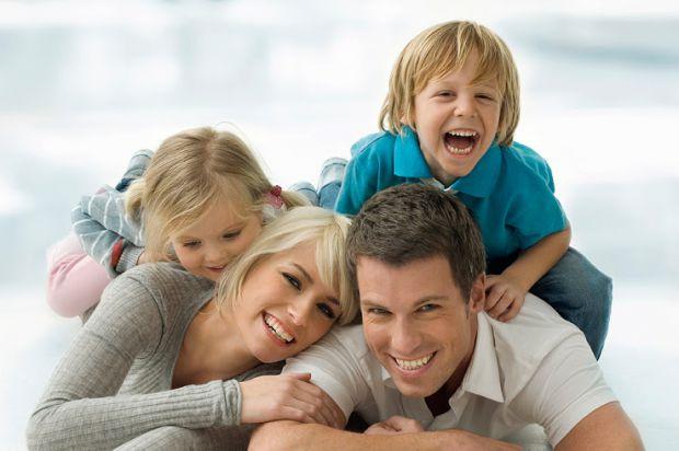 Еволюційні біологи з Фінляндії і США заявили, що на підсвідомому рівні любов батьків до дітей чітко розподілена по статі.