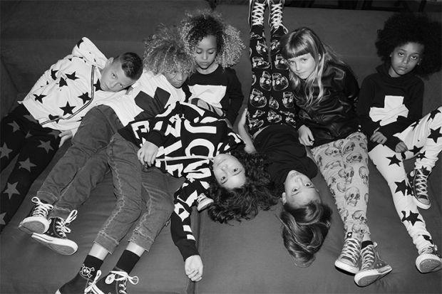 Поп-Діва Селін Діон випустила колекцію дитячого одягу, в якій немає відмінностей за статевою ознакою.