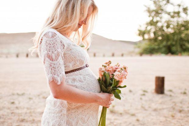Навіть якщо наречена чекає дитину і дуже стурбована своїм становищем, всеодно їй варто правильно організувати своє весілля, щоб цей день запам'ятався