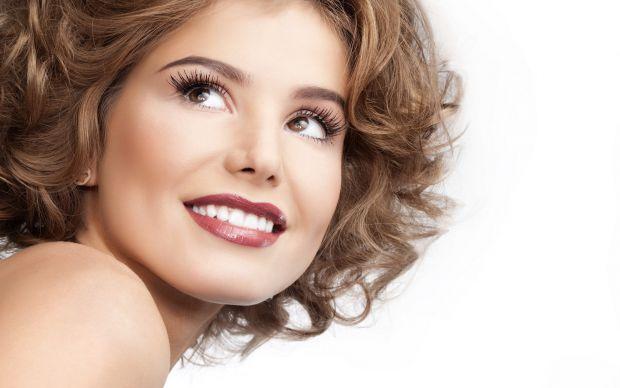 Гастрити і виразки, підвищена кислотність, неправильне харчування - ось причини нальоту на зубах. Однак. уникнути появи зубного нальоту цілком можливо