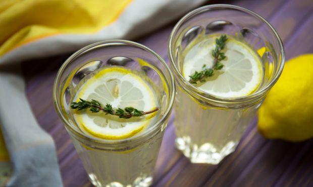 Експерти провели ряд досліджень, перш ніж упевнитися, що лимонна дієта не лише сприяє схудненню, а й чудово очищає організм.