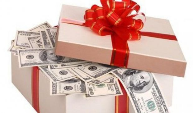 Гроші добуваються важкою працею, від легких треба звільнятися.